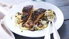 So lieben Norweger Ihren Lachs. Mit viel Geschmack und cremiger Pasta. Da wird aus jedem Montag ein besonderer Tag.