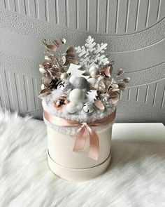Beautiful Christmas box🎁 Decorate your place🏠 Christmas Flower Arrangements, Christmas Flowers, Christmas Centerpieces, Gold Christmas, Christmas Decorations To Make, Beautiful Christmas, Christmas Wreaths, Christmas Crafts, Flower Box Gift