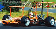 John Love in his Team Gunston Lotus at Leeukop Bend Kyalami during the 1969 South African Grand Prix. Lotus F1, Real Racing, F1 Racing, Road Race Car, Race Cars, Formula 1, Vintage Racing, Vintage Cars, Subaru