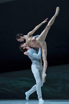 Olga Smirnova and Semyon Chudin in La Belle. © Alice Blangero