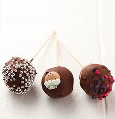 Cake pops are my absolute favourite treat. I made mine with a moist chocolate cake and chocolate frosting mixture, but any variation is bound to taste delicious.