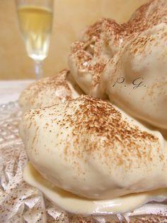 Per il Profiteroles tiramisu mi sono ispirata, meglio dire che ho stravolto la ricetta originale del maestro Montersino ed il risultato è stato strepitoso.