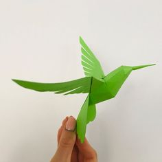 Paper Glue, All Paper, Paper Art, Paper Crafts, Types Of Wings, Make Your Own, Make It Yourself, Mechanical Design, Paper Models