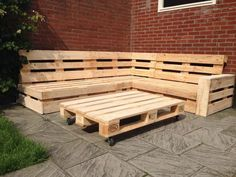 Pallet - Do With Pallete Pallet Lounge, Diy Pallet Sofa, Pallet Walls, Wooden Pallet Furniture, Diy Pallet Projects, Recycled Furniture, Diy Furniture, Recycled Wood, Pallet Ideas