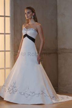 Robe de mariée delicat formelle sexy avec broderie jusqu'au sol