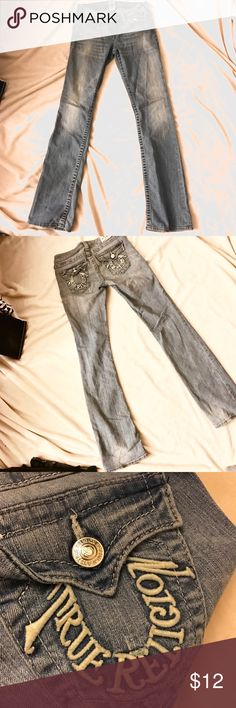 True Religion Bootcut Light Wash Denim Jeans True religion brand Bootcut style Denim Jeans. Size 27. These are so cute and great quality even though previously loved ❤️❤️ bundle and save!!! Xoxo True Religion Jeans