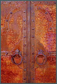 Rusted door #doors #rust