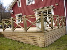 rund trappa altan - Google Search Veranda Railing, Deck Railings, Mobile Home Porch, Country Landscaping, Street House, Backyard Makeover, Garden Bridge, Home And Garden, Outdoor Structures
