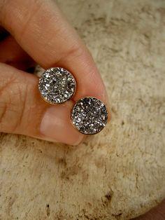 Silver Druzy Studs Drusy Quartz Earrings Gold Vermeil Bezel Set. $70.00, via Etsy. Druzy Ring, Jewelry Stores, Women Jewelry, Accessories, Rings, Fashion, Moda, Fasion, Ring