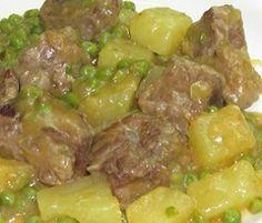Ecco la ricetta dello spezzatino con patate e piselli da cucinare in modo facile e veloce con i consigli sulla preparazione e il tempo di cottura.