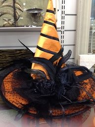 My sister called me today asking me if i knew how to make a witch hat as she and my other sisters and mother are going to Witch A Palooza  a...