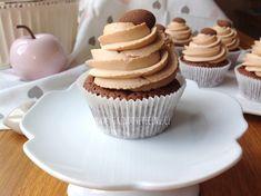 Brownie cupcakes s karamelovým krémem Brownie Cupcakes, Mini Cupcakes, Cake Recept, Chocolate Muffins, Sweet Desserts, Brownies, Cheesecake, Sweets, Recipes
