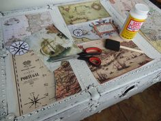 DIY: Portuguese Antique Travel Trunk. Tia Maria's Blog Portuguese, Decoupage, Portugal, Trunks, Diy Projects, Invitations, Gift Ideas, Lifestyle, Antiques