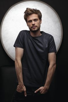 Why do I watch Criminal Minds?? Yeah that's right because of Matthew Gray Gubler.