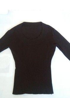 Kupuj mé předměty na #vinted http://www.vinted.cz/damske-obleceni/s-dlouhymi-rukavy/9479083-nadherny-cerny-svetrik