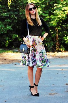 Blogger Timbo wears a bold floral midi skirt with black jumper and ASOS heels #streetstyle