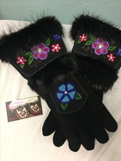 Gauntlet gloves made by Joyce and Tyrese Roberts from Eagle, AK. Native Beading Patterns, Native Beadwork, Native American Regalia, Native American Beading, Flower Patterns, Crochet Patterns, Gauntlet Gloves, Beaded Moccasins, Native Design