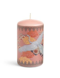 This candle is really pretty... almost too pretty to burn!
