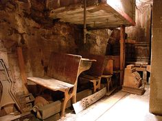 Seattle Underground Tours take you below the streets of Seattle to the city before the great fire