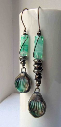 Emerald stand - handmade earrings, beaded earrings, green earrings, long earrings, shell earrings,