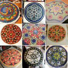Image associée Mosaic, Decorative Plates, Table, Image, Home Decor, Decoration Home, Room Decor, Tables, Mosaics