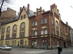 """Betania talo Perämiehenkadun ja Merimiehenkadun  kulmassa - Punavuori (ruots.Rödbergen,stadin slangiksi Rööperi). Punavuoren itäosa on vanhaa kerrostaloaluetta, länsiosa eli """"Rööperi"""" oli 1800-luvun lopulla työväen asuttamaa omaleimaista puutaloaluetta,nykyisin puutalojen tilalle on rakennettu kerrostaloja."""