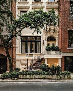 Exterior De Casas Sencillas - Exterior Stairs Luxury - Exterior House With Garage - - - Future House, My House, Town House, House Front, Apartamento New York, Exterior Design, Interior And Exterior, Interior Ideas, Cafe Exterior