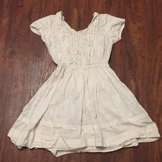 Thistlepearl Urban Outfitters Lace Dress Size 2 Thistlepearl UO Victorian lace mini swing dress with faux crocheting on chest. Beautiful cream dress that needs ironing! Lovely skirt layering and v-neck. No trades, best offer accepted Urban Outfitters Dresses Mini