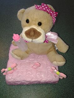 Teddy bear baby shower cake by Roly's Bakery