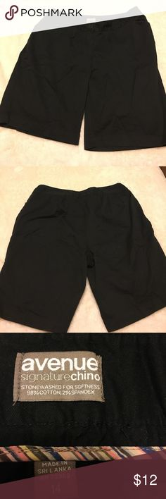 Black womens bermuda shorts Excellent black bermudas short, easy care, have giving for relax fitting, zipper closure, soft and comfortable, comes from a smoke free and pet free home. Avenue Shorts Bermudas