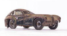 The 1949 Talbot Lago Grand Sport SWB par Saoutchik is among the rarest cars of all-time. Porsche 356, Maserati, Bugatti, Vintage Cars, Antique Cars, Car Barn, Auto Motor Sport, Rusty Cars, Abandoned Cars