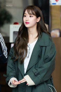Kpop Girl Groups, Kpop Girls, K Pop, April Kpop, Stage Outfits, Fashion Outfits, Asian Image, Korean Makeup Look, Uzzlang Girl