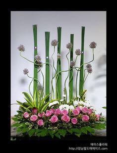 Printing Ideas Dnd Printer Projects New York Diy Silk Flower Arrangements, Altar Flowers, Ikebana Flower Arrangement, Church Flowers, Orchid Flowers, Exotic Flowers, Silk Flowers, Hotel Flowers, Corporate Flowers