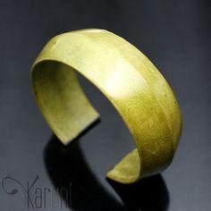 Karuni Bracelet Touareg en Cuir Vert Anis 2 cm Bijoux Ethniques