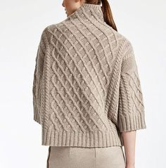 Enter the world of Max Mara: let yourself be won over by the elegance and hand-crafted quality of our collections. Knitwear Fashion, Sweater Fashion, Crochet Fashion, Hand Knitted Sweaters, Sweater Knitting Patterns, Classy Casual, Mode Outfits, Cardigans For Women, Knit Crochet