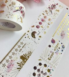 Ideas of what to send in the mail in a flat envelope - gift ideas for pen pal - things you can send via snail mail - beautiful stickers and Washi tape Crafts For Teens, Arts And Crafts, Paper Crafts, Teen Crafts, Wine Gift Baskets, Basket Gift, Masking Tape, Washi Tapes, Diy Washi Tape
