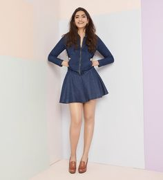 Sonam Kapoor ebracing the denim look in Stunning soonam kapoor in denim shirt and mini skirt. She leave her curly colored hair. Outfit by Rheson Rhea A Kapoor . Bollywood Girls, Bollywood Actress, Latest Bollywood Movies, Sonam Kapoor, Latest Outfits, Hot Actresses, My Princess, Denim Shirt, Sexy Legs