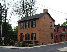 The Farnsworth House Inn is a bed & breakfast but they also offer fine dining and tavern dining.  We recommend staying in the Belle Boyd or Jennie Wade rooms.