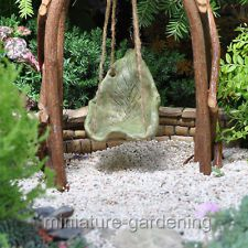 Miniature Fairy Garden Green Leaf Swing - this is an item for sale, but would be easy to make. Gnome Garden, Lawn And Garden, Tabletop, Garden Solutions, Fairy Garden Furniture, Garden Items, Fairy Garden Accessories, Fairy Doors, Flower Fairies