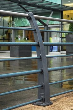 Quayside Curved Ductile Iron 7 Rail - Street Furniture Contemporary heavy duty post and rail system available with galvanized, painted or stainless steel rails.