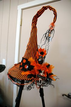 an amazing witch hat! Witches Night Out is October in Joliet IL! Halloween Witch Hat, Holidays Halloween, Vintage Halloween, Halloween Crafts, Happy Halloween, Halloween Decorations, Witch Hats, Halloween Desserts, Scary Halloween