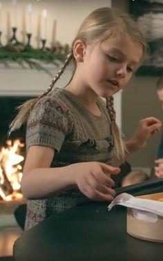 Princesse Estelle, 18 décembre 2017, Vidéo publiée à l'occasion des fêtes de Noël, Château de Haga, Stockholm