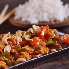 Συνταγή για γλυκόξινο χοιρινό με πιπεριές από τον Γιάννη Λουκάκο! Αγαπημένο πιάτο της κινέζικης κουζίνας με μαλακά κομμάτια χοιρινού & πολύχρωμες πιπεριές!