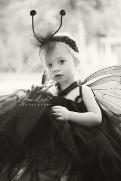 this is just a cute pic, but I like the idea for the tulle on the headband (without the antennae)