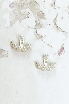 Helen & sienna -sofi's pearls- An elegant finishing touch these back dainty ivory pearls earrings will complete your perfect total look.  Handmade from high quality goldfield gold for the perfect glam