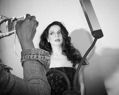 Make e Hair @jacquelinefraga CURSO DE MAQUIAGEM,  EDITORIAL E PRODUÇÃO DE MODA PARA REVISTAS  E DESFILES. O curso abordou as maquiagens, estilos, tendências e moda, de todas as décadas e séculos fazendo uma releitura contemporânea.  Fiquei com a década de 80, que eu gosto muito e acho divertida para trabalhar a make. Quem ministrou o curso foi a famosa maquiadora Dani Fonseca uma das profissionais mais requisitadas do mercado internacional de maquiagem artística para editoriais, desfiles…