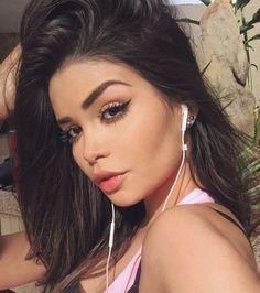 ❦ॣ·˖yoυ coυld вe мy only ѕтar; yoυ coυld вe тнe мoonlιgнт❦ॣ·˖《ɑçúcaʀ》 Beautiful Latina, Beautiful Eyes, Gorgeous Women, Hummer, Perfect Woman, Cute Woman, Selfies, Beauty Makeup, Hair Beauty