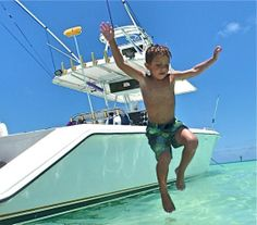 Jumping over Taco Marine rub rail makes for a safe water entry splash in the bahamas. Camping Lunches, Go Camping, Camping Hacks, Luxury Pontoon Boats, Fishing Pontoon Boats, Best Fishing Lures, Boy Fishing, Fishing Tips, Bahamas Honeymoon