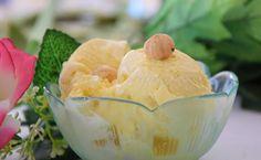 Il gelato alla nocciola con gelatiera. Semplice e buono come tutte le cose fatte…