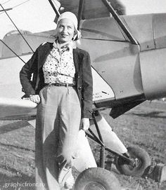 Irina Burnaia (n. 1909 - d. Romanian aviator, the first woman who flew over the Carpathian Mountains, first woman pilot who carried out intercontinental raids and the country's first female acrobat pilot. Hero World, World War, James Games, Romania People, Romanian Women, Carpathian Mountains, City People, Female Hero, Powerful Women